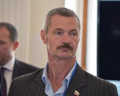 Почему депутат Горелов сбежал на 3-ий округ?