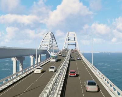 Самый интенсивный трафик на Крымском мосте в августе