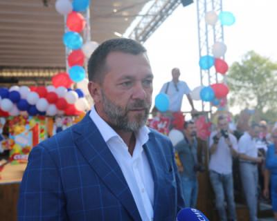 Дмитрий Саблин поздравил севастопольских школьников с Днем знаний (ФОТО)