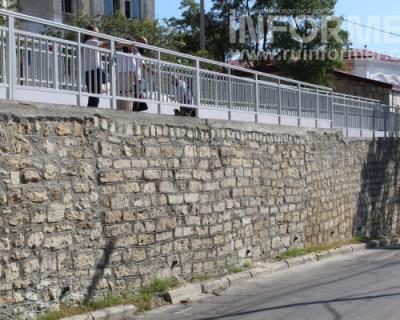 В Севастополе завершён ремонт подпорной стены