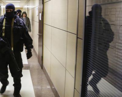 Сотрудники Следственного комитета проводят обыски у сторонников Навального