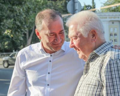 Депутат Госдумы от Севастополя Дмитрий Белик встретил Владимира Галичего на Родине