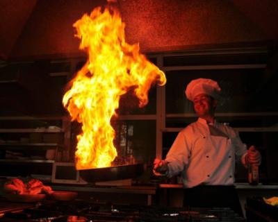 «Кожа вместе с бинтами снималась…» Российских детей облили горящим маслом в отеле в Турции (ФОТО 18+)