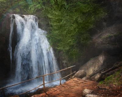 Крымский водопад Джур-Джур назвали самым красивым в России
