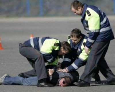 В Симферополе со стрельбой остановили нарушителя ПДД