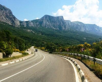 Только 20% крымских дорог соответствует норме