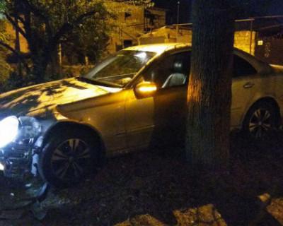 Две версии того, как в Симферополе разбили машину министра ЖКХ Крыма