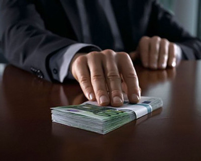 Начальник контрактной отдела «Севавтодора» задержан за взятку
