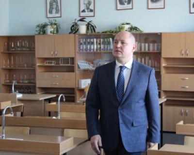 Поздравление врио губернатора Севастополя Михаила Развожаева с Днем учителя