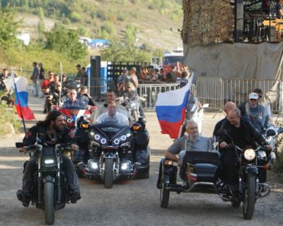 «Ночные волки» обратились к Владимиру Путину в день его рождения