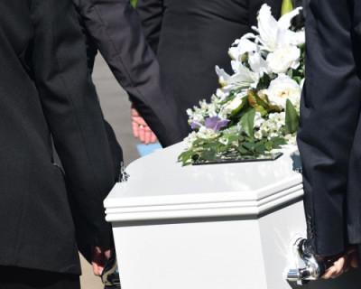 В российском городе умершим старикам в гроб подкладывали ампутированные человеческие органы