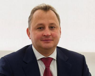 Замдиректора Оборонпрома России выпал из окна, пытаясь сфотографировать белок