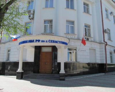Севастопольские полицейские задержали мужчину, избившего свою знакомую