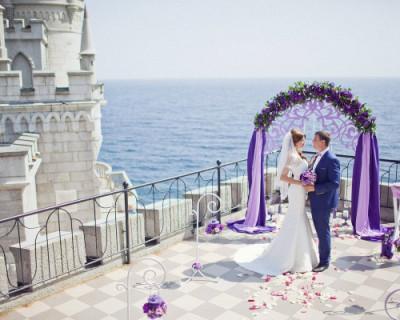 Сколько стоит сыграть свадьбу в Крыму