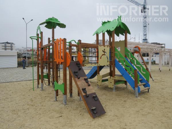 детские горки на севастопольском пляже