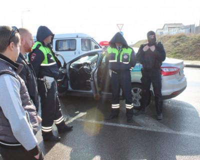 Севастопольские экс-сотрудники ГИБДД не стеснялись брать взятки на дорогах
