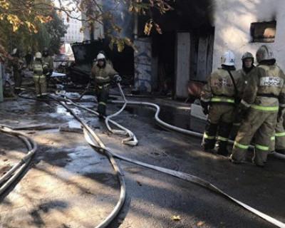 В центре Симферополя горит стадион (ФОТО)