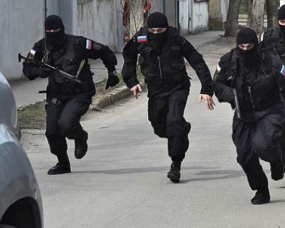 ФСБ задержала в Севастополе экстремиста, который обрабатывал верующих