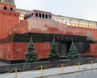 Коммунисты: «Тело «вождя мирового пролетариата» Владимира Ленина должно быть передано на баланс КПРФ»