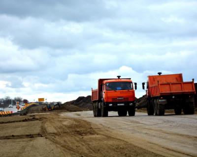 Движение по четырем полосам от границы автоподхода к Крымскому мосту снова открыто