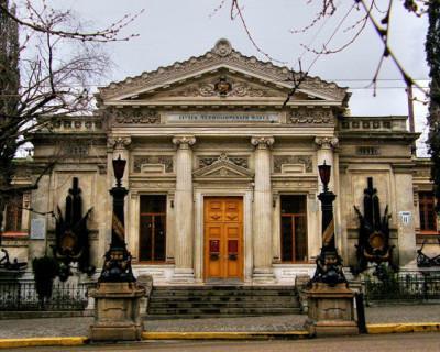 Севастопольские музеи передали в Санкт-Петербург