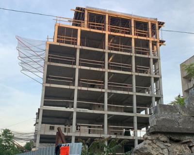 Севастопольцы задаются вопросом - когда же правительство начнёт пресекать незаконные стройки, уродующие исторический облик города