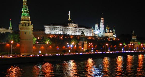 Российским губернаторам напомнили о правиле «трех акций»