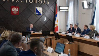 Врио губернатора Севастополя поручил главам профильных ведомств активнее реагировать на жалобы горожан в социальных сетях