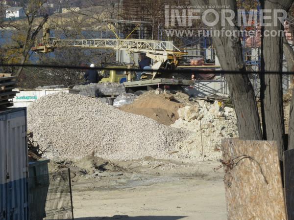 Как уничтожает «профессор» Чалый Матросский бульвар в Севастополе