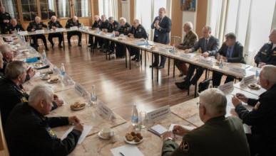 Врио губернатора Севастополя обсудил культурный кластер на мысе Хрустальный с членами Совета Высших офицеров Севастополя