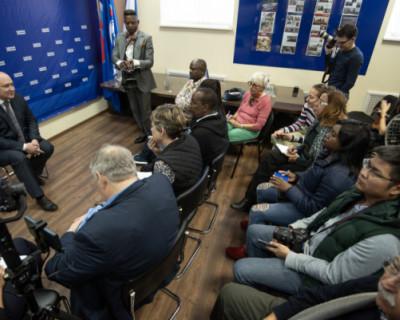Врио губернатора Севастополя встретился с иностранными журналистами