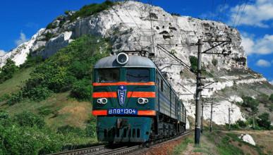 Владимиру Путину рассказали о то как продаются билеты на поезд в Крым