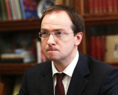 Глава Минкульта пригрозил перенести новогодние премьеры зарубежных блокбастеров