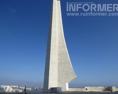 Знает ли Развожаев о том, что в Севастополе разрушается символ города?