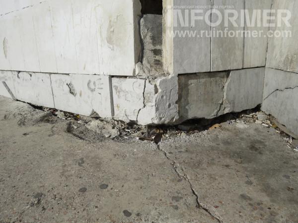 Знает ли Развожаев о том, что в Севастополе разрушается символ города