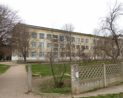 Из-за угрозы пожара в севастопольской школе эвакуировали учеников и учителей