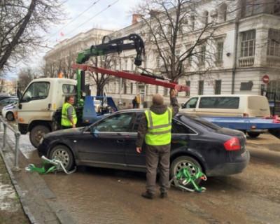 В Севастополе повысили цены на эвакуацию автомашин