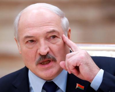 Лукашенко пообещал «не сдавать» Беларусь России