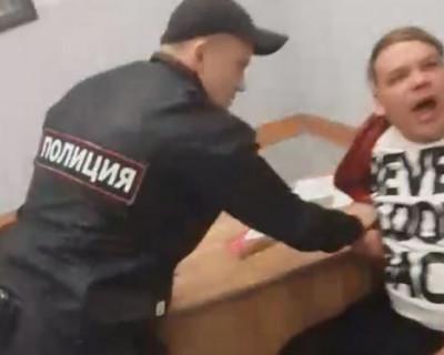 В аэропорту Симферополя задержали пьяного уральского дебошира