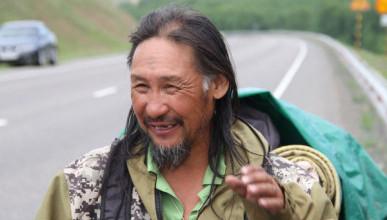 Якутский шаман по-прежнему намерен «изгнать Путина». И возобновил поход на Кремль