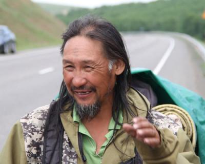Якутский шаман по-прежнему намерен «изгнать Путина» и возобновил поход на Кремль