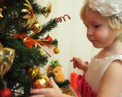 Как чиновники Севастополя издеваются над детьми: несладкие подарки от департамента соцзащиты (ФОТО)