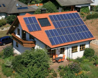В России жителям частных домов разрешили производить и продавать электроэнергию