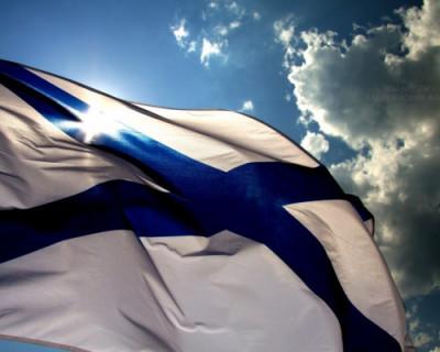 В главном соборе Севастополя освятили военно-морские флаги
