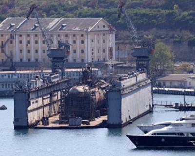 В Севастополе утонула подводная лодка (ПОДРОБНОСТИ)