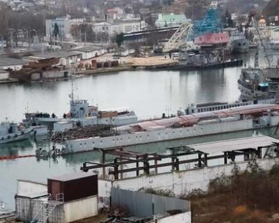 Эксперты рассказали о причинах аварии плавдока и подлодки в Севастополе