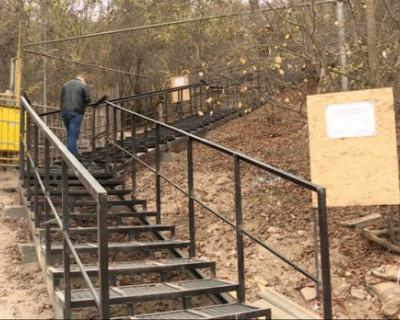 Как севастопольцы лестницу себе построили