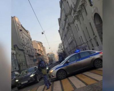 В Москве из-за угрозы взрыва повторно эвакуируются сотрудники Верховного суда