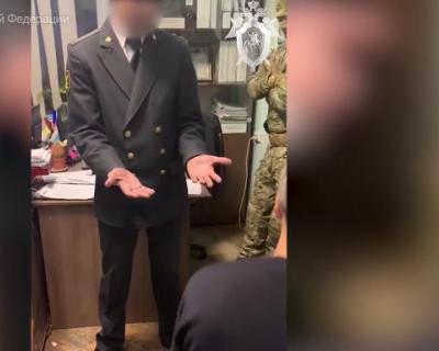 Опубликовано видео задержания начальника керченского отдела службы судебных приставов