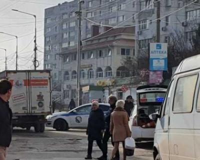 В Севастополе водитель газели сбил девушку-полицейского